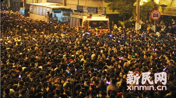 跨年夜5小时才回家 市民:公交哪去了?