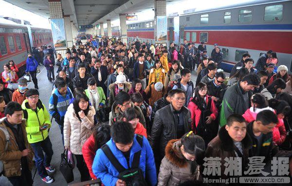 二级以上客运站24小时开放候.jpg