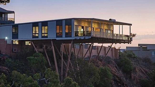 澳大利亚一房屋建于悬崖边沿寻大胆买家