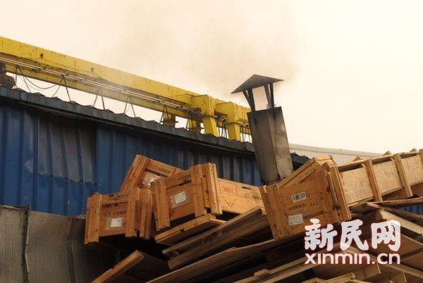 奉贤海湾异味来源多样 数家工厂被立案