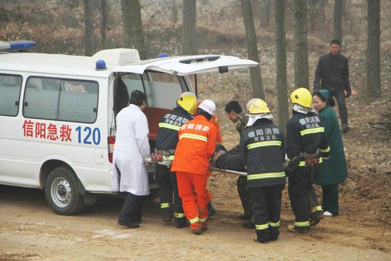 京港澳高速18车相撞至少2死