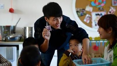 上海20所幼儿园试点课间游戏讲上海话