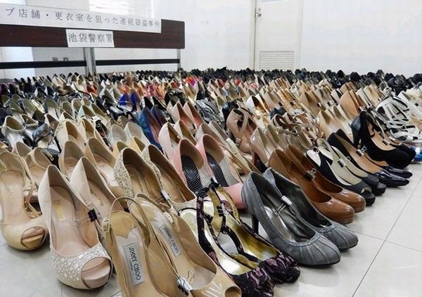 日本变态男偷400双高跟鞋藏家里 赃物太多寄宿