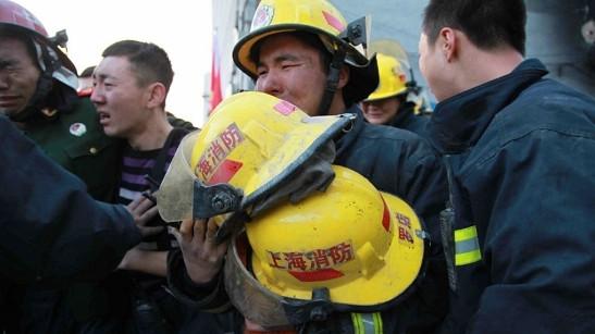 两牺牲消防员获批烈士 告别仪式今举行