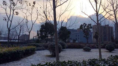 开学日申城暂别雨雪 清晨气温低于冰点