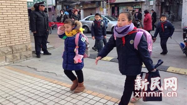申城中小学今迎春季开学首日