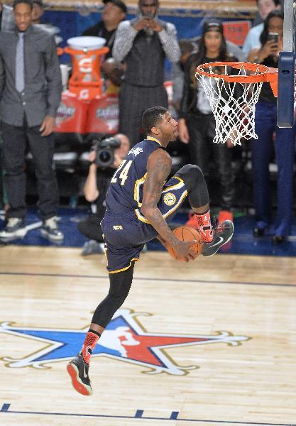 (体育)(4)篮球——nba全明星赛:沃尔赢得扣篮大赛冠军