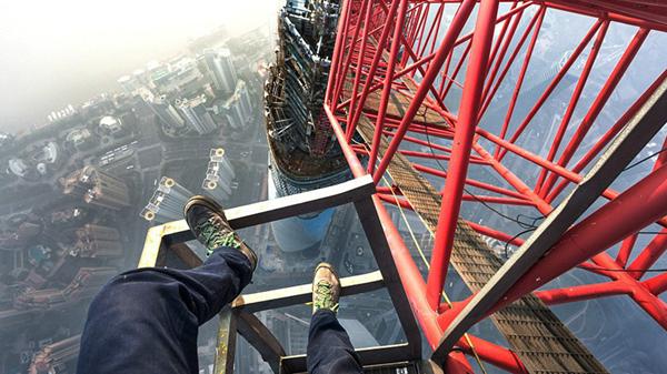 攀爬者讲述登顶上海中心:用1天研究安保