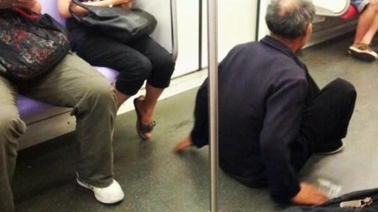 3号线女乘客制止乞讨遭辱骂 警方介入