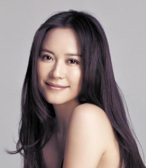 俞飞鸿不讳言自己的年龄:我没结婚
