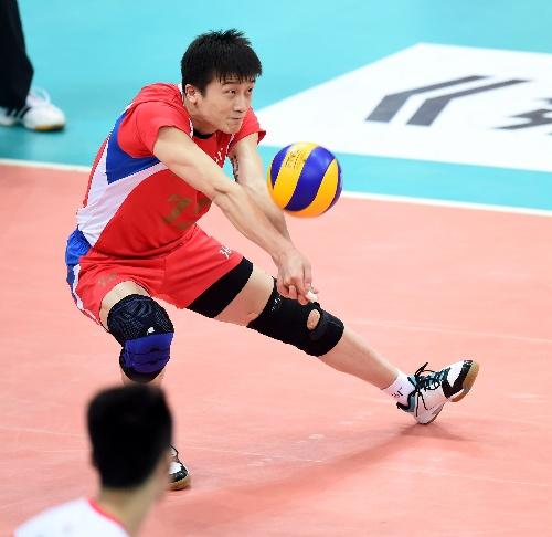 图文:男排半决赛北京3-2山东