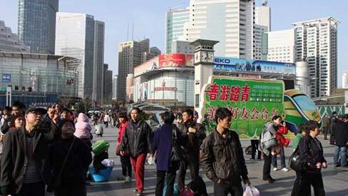 铁路春游运输启动 推上海—苏州往返票