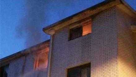 上海交通路一居民楼起火 一男子身亡