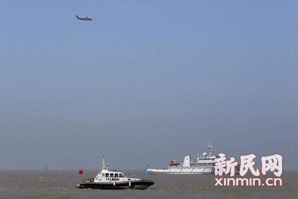沪外高桥水域两轮相撞3人落水 正搜救