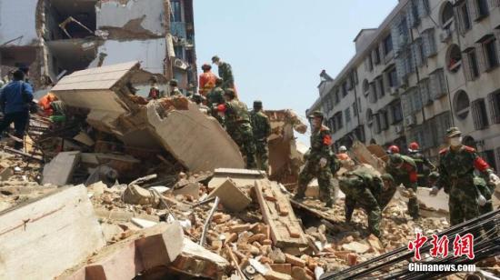 浙江奉化居民楼倒塌 2名嫌疑人被刑拘