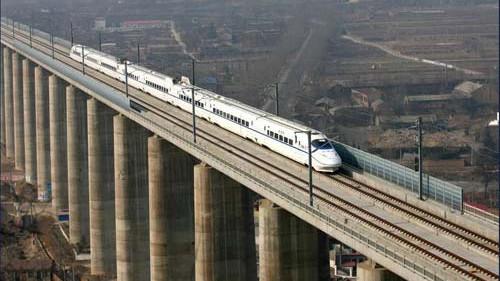 周末又迎踏青客流 上海站增开3趟动车