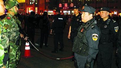 公安部正副3部长夜查3地火车站