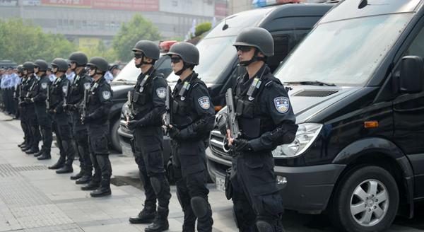 上海今起进入最高警戒:地铁逢包必查