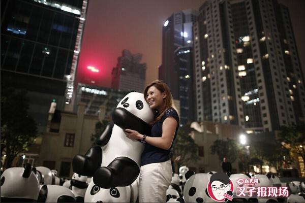"""上海""""百只滚滚""""被指山寨WWF纸熊猫"""