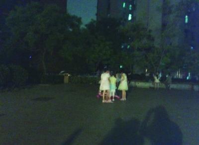 南京:因高考大爷大妈承诺广场舞停3天