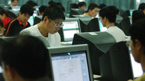千余教师开始阅卷 上海高考成绩26日公布