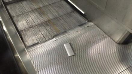 上海地铁自动扶梯再发故障 陆家嘴站一扶梯突停