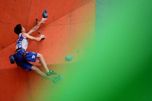 图文:国际攀联世界杯海阳站 斯蒂法诺攀岩