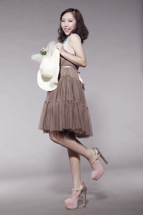 周紫艺参与录制了新浪网娱乐访谈节目《美女向前冲》