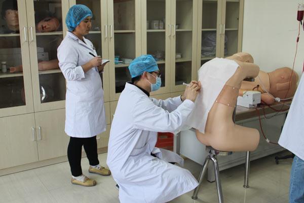 对知识医,护,技全院进行了院感案例,穿透防护服及隔离衣,心肺复苏及c人员从入门到精通语言教程图片