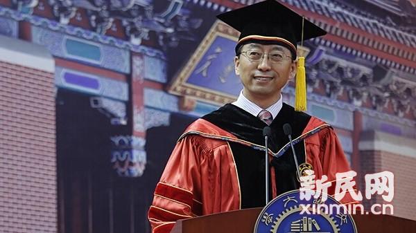 上海交大毕业典礼校长聊