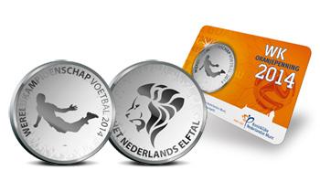 荷兰造范佩西世界杯纪念币 印鱼跃冲顶动作[图