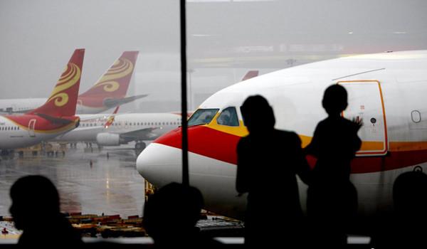 申城高挂雷电黄色预警 虹桥机场进港航班一度无法降落