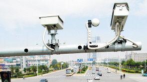 沪200电子警察年底前上岗 专拍社会车辆占公交车道