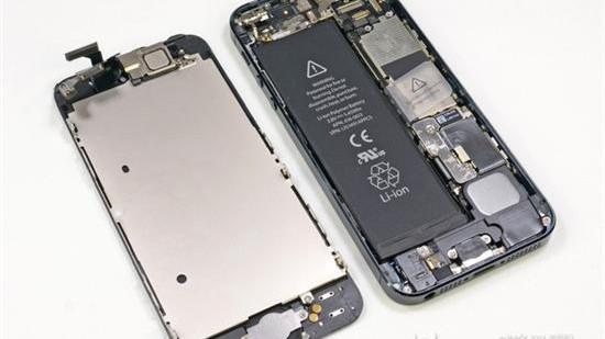 苹果本周末起为问题iPhone 5换电池