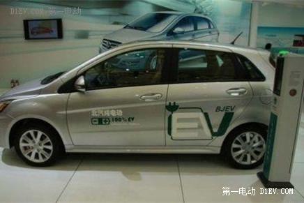 北京电动汽车充电桩建设提速 双轮驱动效应渐显