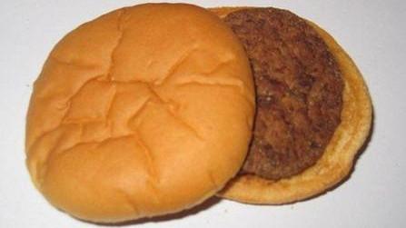 """麦当劳将告别""""肉夹馍"""" 蔬菜供应预计本月恢复"""