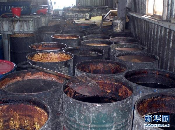 """台湾""""地沟油""""波及千余企业 沪下架问题食品8700件"""