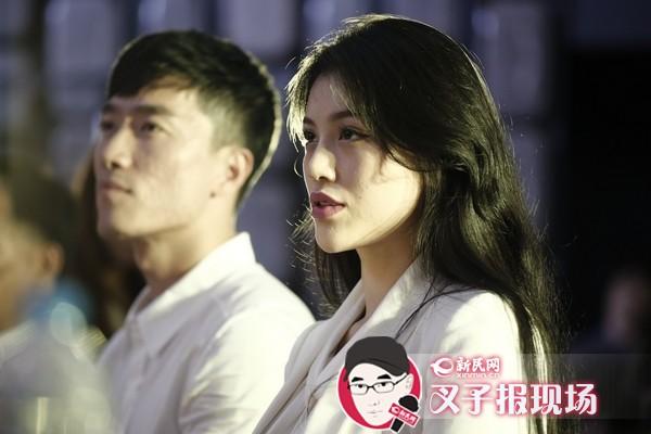 刘翔婚后携娇妻首亮相 否认奉子成婚