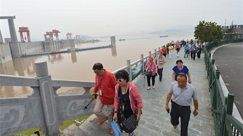 "5A景区三峡大坝""逆流"" 中国游客免105元门票"