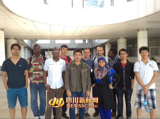 四川外国留学生眼中的孔子:是神一样的存在