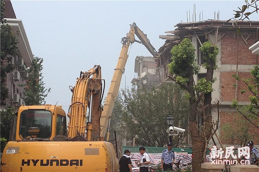 那些被拆掉的违法建筑:别墅扩建10倍变群租房