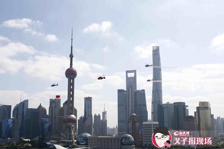 国庆首日的上海:人景交融