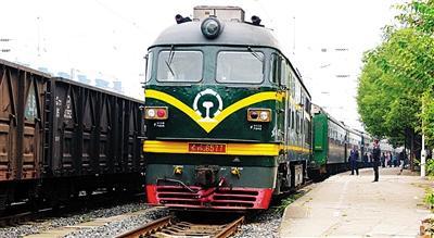 国内火车除高铁动车城际外将统一刷成绿皮