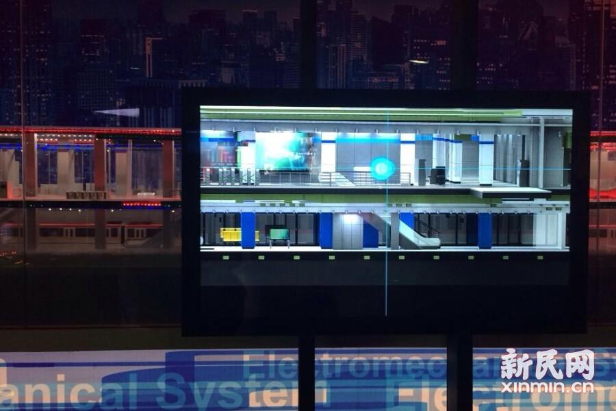 """特殊的""""X光""""屏幕,可以透视地铁站内部结构,揭开地铁站中隐藏的奥妙。新民网记者李欣 摄"""