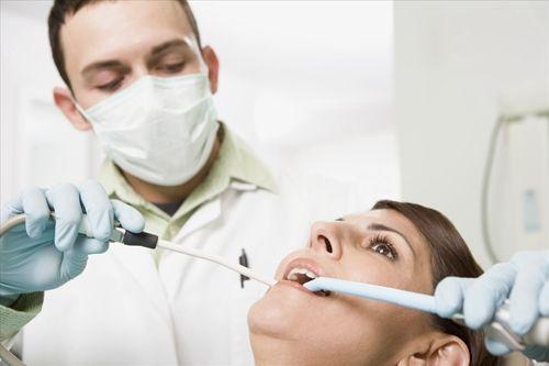口腔疾病也能致命 刷刷舌苔更健康