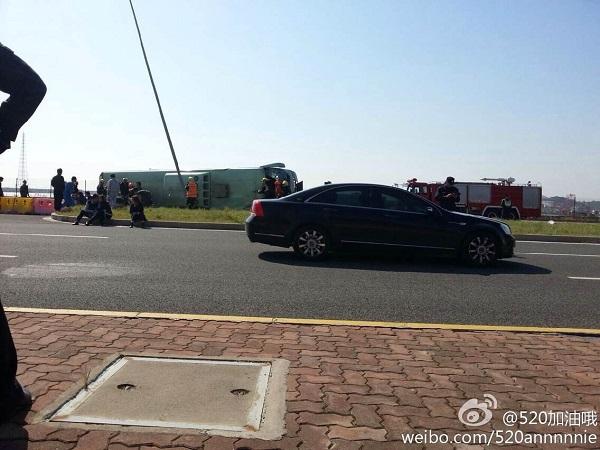 沪大巴舟山侧翻 所属公司3年前也曾出事致1死2重伤