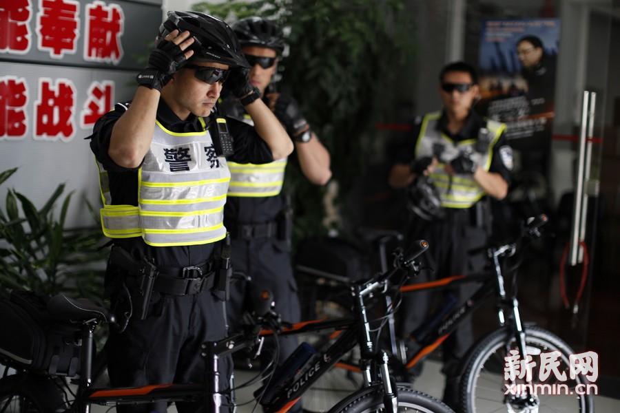 """上海特警自行车""""骑警""""亮相马拉松"""