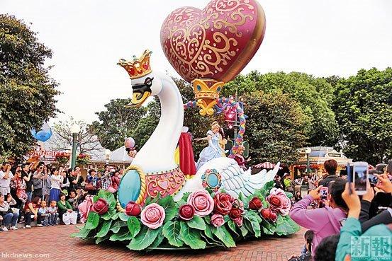 香港迪士尼门票今起加价一成 对内地团影响较大