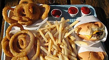 父母必知!这7种零食别让孩子多吃!