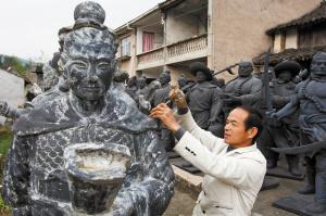男子泥塑水浒108将 每尊高2米重达500斤 图 高清图片